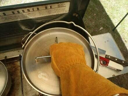 ダッチオーブンで焼き芋