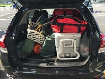 キャンプ コンパクトカーの荷室
